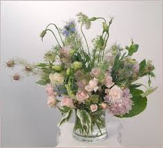 old fashioned garden flowers and subtle styling gives this bouquet