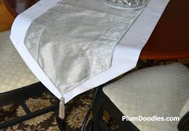 how to make table runner at home how to make a table runner with pointed ends tipsy tuesday 16