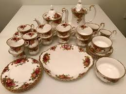 country roses tea set 36 pc royal doulton royal albert country roses vintage tea