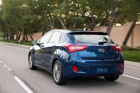 Hyundai Elantra 2002 Hatchback 2017 Hyundai Elantra Debuts In Korea With Sharper Styling