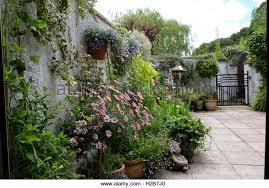 walled cottage garden stock photos u0026 walled cottage garden stock