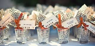 wedding gift ideas for guests wedding favors gift ideas your guests will critics choice