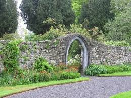 20 best rock wall gate images on pinterest driveway entrance