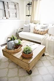 Making A Basic End Table by Best 25 Pallet Coffee Tables Ideas On Pinterest Paint Wood