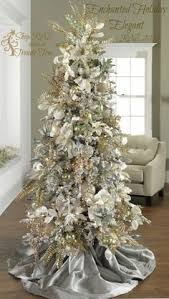 Christmas Tree With Gold Decorations Gorgeous Holidays Christmas Pinterest Christmas Tree