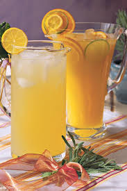 Who Drinks Southern Comfort Punch And Cocktail Summer Drink Recipes Southern Living