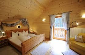Omas Schlafzimmer Bilder Alpen Chalets In österreich Landgut Moserhof