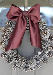 pinecone wreath do it yourself divas diy pinecone wreath practically free