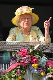 picture gallery queen elizabeth ii enjoys epsom derby from your