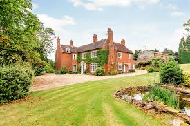 7 bedroom detached for sale in kidderminster