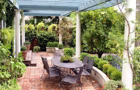 Garden Designs For Small Backyards Design Your Own Outdoor Dining Area Garden Design For Living