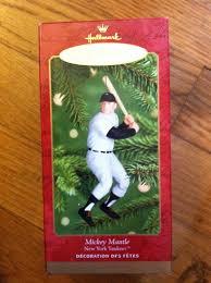 amazon com mickey mantle 2001 hallmark keepsake ornament home