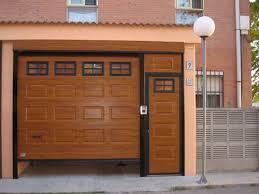 puertas de cocheras automaticas royma instalacion y mantenimiento de puertas seccionales en zaragoza