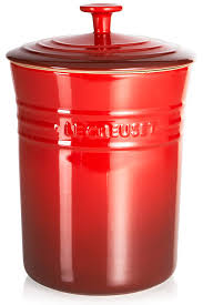 red canisters for kitchen amazon com le creuset stoneware medium 4 quart canister cherry