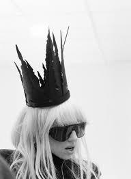 Lady Gaga Bad Romance Você Precisa Ver Essas Fotos Inéditas Do Clipe De