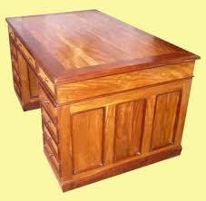 grand bureau en bois grand bureau à caissons en bois de palissandre et de margousier