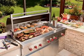 create an elegant outdoor kitchen and avoid two common mistakes