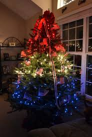 Red And White Christmas Lights by 98 Best Christmas Tree Themes Images On Pinterest Christmas Tree