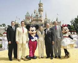 si e social disneyland mickey mouse character britannica com