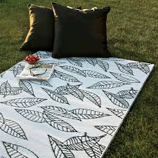 Outdoor Recycled Plastic Rugs Shop B B Begonia Arctic 5x8 Recycled Outdoor Mat B B Begonia
