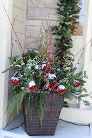 Christmas Ideas For Outside Planters by 36 Best Front Porch Gardening Images On Pinterest Gardening