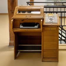 vieux bureau en bois images gratuites bureau table bois la technologie vieux