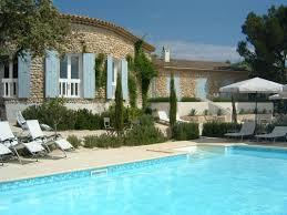 chambres d hotes vaison la romaine avec piscine la fontaine au loup un séjour paisible et haut en couleurs