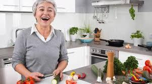 qui fait la cuisine louez une mamie pour vous faire la cuisine à domicile