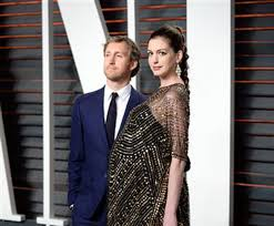 Anne Hathaway Vanity Fair Anne Hathaway Gives Birth To Son The Himalayan Times
