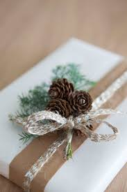 rustic christmas wrapping paper a través de casa reinal mester grønn christmas gift