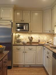 shopping for kitchen furniture 4 types of cabinet lighting pros cons and shopping advice