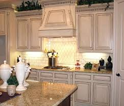 How To Paint Cabinets To Look Distressed Distressed Kitchen Cabinets How To Distress Your White Best 25