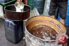 Minyak Tanah Per Liter pertamina hentikan pasokan minyak tanah bersubsidi ke palu antara