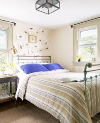 How To Hang Curtains Around Bed by 39 Guest Bedroom Pictures Decor Ideas For Guest Rooms