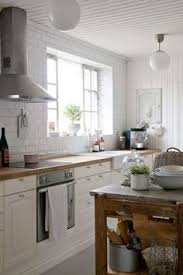 Kitchens With Off White Cabinets Farmhouse Friday The Willow Farmhouse Lots Of Farmhouse