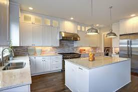 white shaker kitchen cabinets backsplash 20 reasons americans shaker kitchen cabinets best