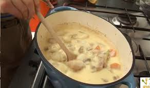 cuisiner une blanquette de veau recette blanquette de veau en vidéo