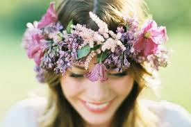 flowers for hair tips and ideas for wearing fresh flowers in your hair for your wedding