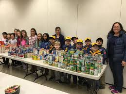 Cub Foods Hours Thanksgiving Scout And Cub Scouts Sorts Food At St S To Distribute For