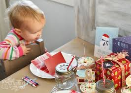 Christmas Present Table Decoration by A Fun Kids Christmas Table Setting Idea Win A Holiday Party