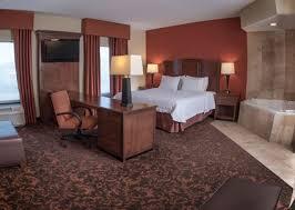 Room With Desk Shenandoah Valley Attractions Woodstock Va Hampton Inn U0026 Suites