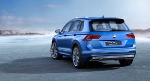 volkswagen tiguan 2016 blue 2017 volkswagen tiguan is larger and lighter autoguide com news