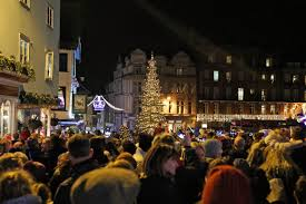 german christmas tradition lights up queen u0027s windsor castle nbc news