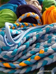 tappeti fai da te tappeto di magliette riciclo creativo