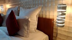 desain kamar mandi transparan kamar mandi transparan hotel pullman jakarta central park youtube