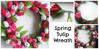 Tulip Wreath Diy Spring Tulip Wreath A Little House A Lot Of Kids