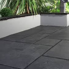 Indian Sandstone Patio by Black Indian Stone Patio Pack 15 6 Sq Metres 16 50 Ex Vat Per