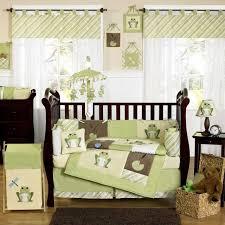 chambre et literie chambre enfant chambre bébé fille murs couleur crèle literie