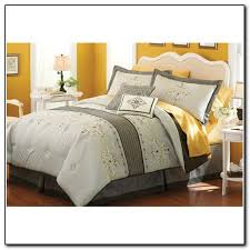 Fleur De Lis Comforter Fleur De Lis Bedding King Beds Home Design Ideas Mebypyvmgz11104