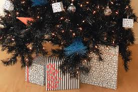 black friday christmas tree matching your wrapping paper to your christmas tree 5 fun ideas